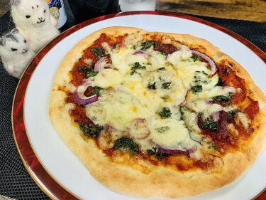 【奥さんのずぼら飯】ずぼらピザを作ったよ